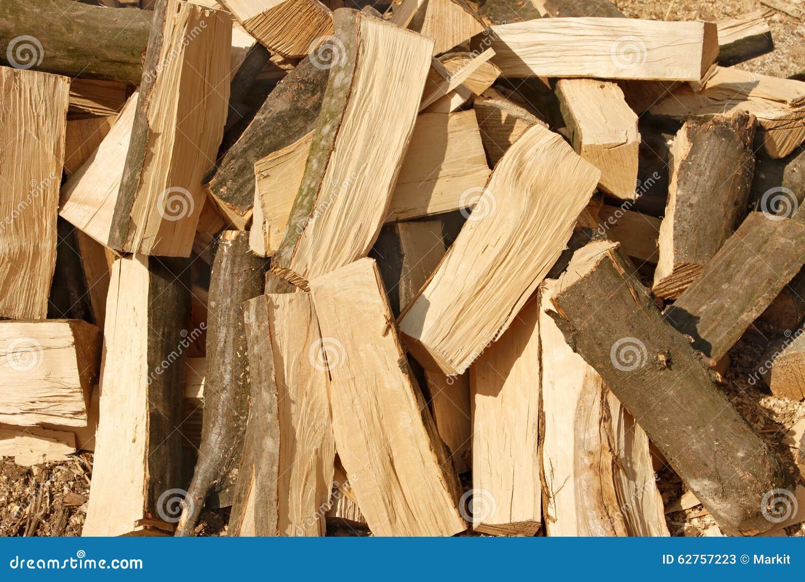 grande pile du charme de bois de chauffage image stock - image du