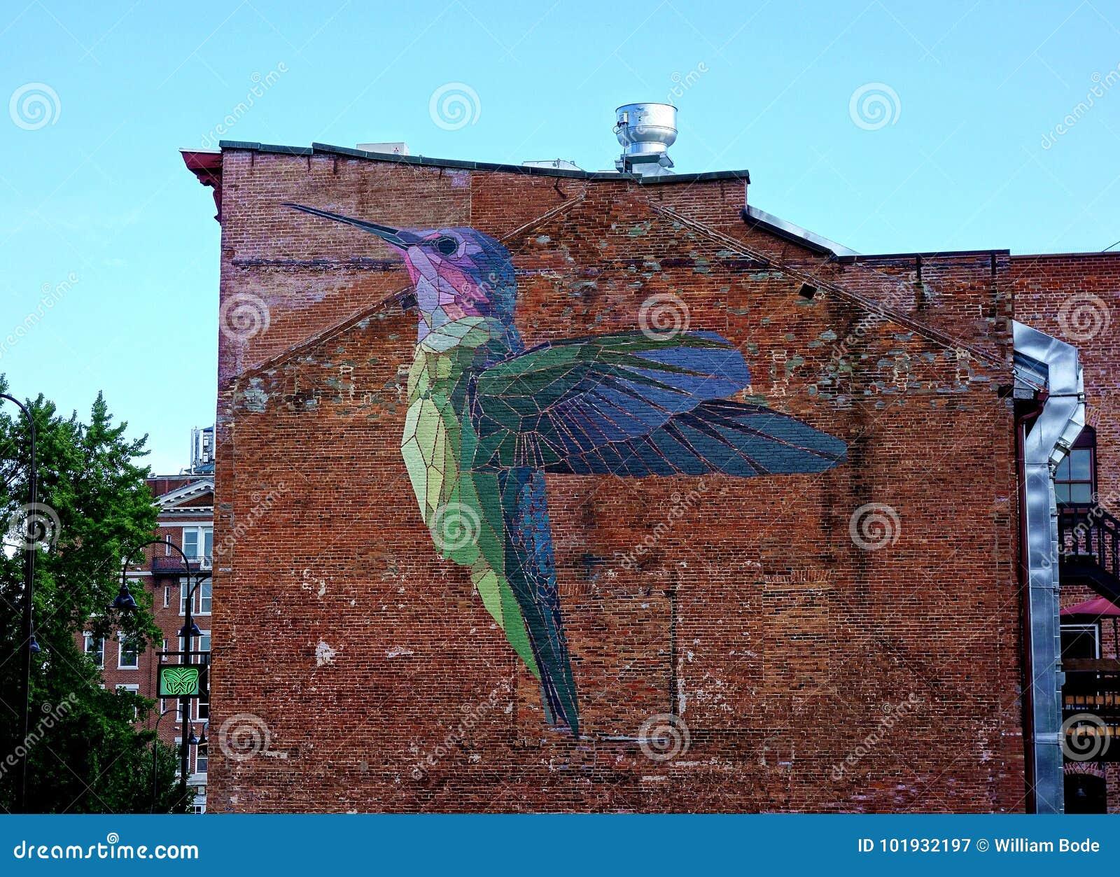 Grande pintura mural do colibri