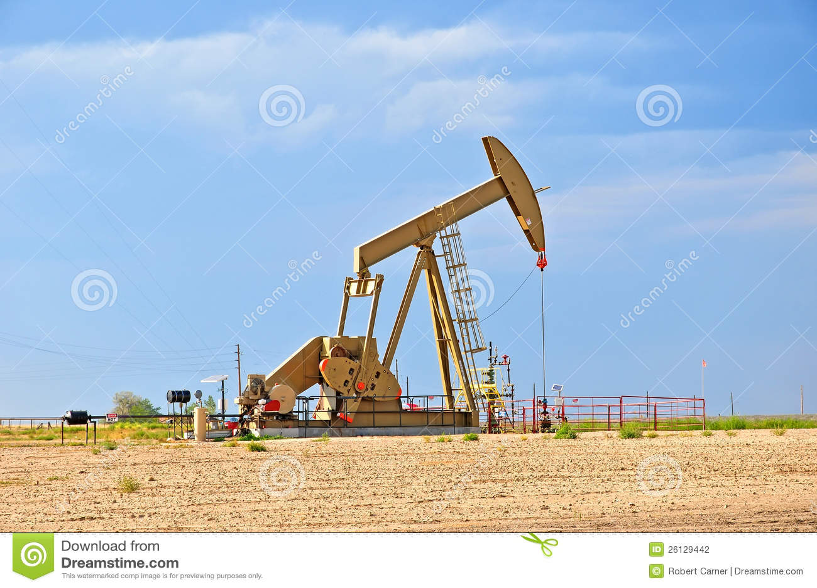 Grande pompe jack soulevant le p trole brut photographie stock image 26129442 - Pompe a petrole ...