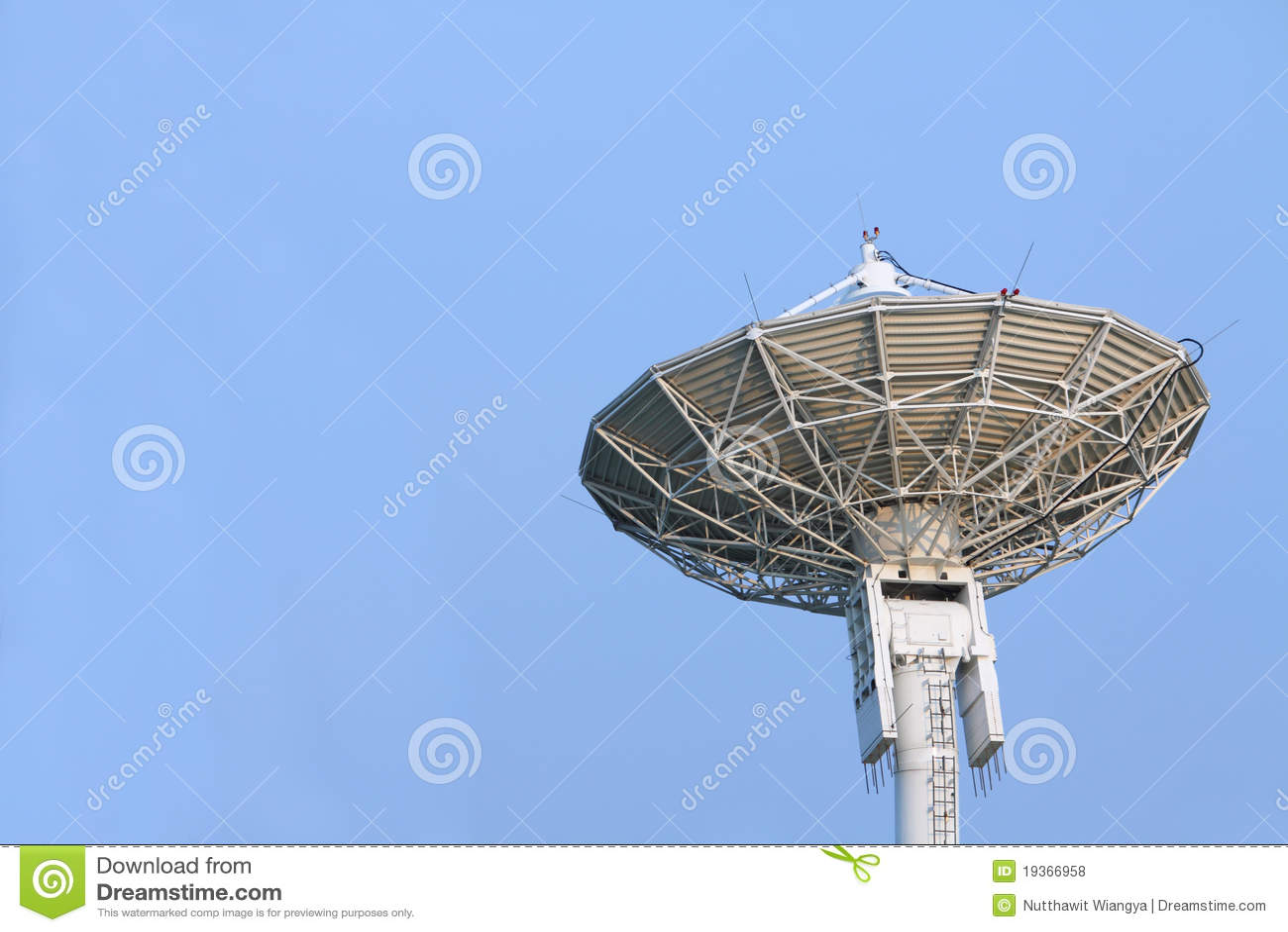 Grande prato satélite