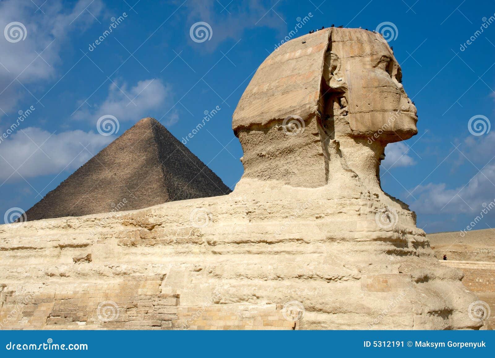 Download Grande Sphinx Sui Precedenti Della Piramide Nell'Egitto Immagine Stock - Immagine di antico, costruzione: 5312191