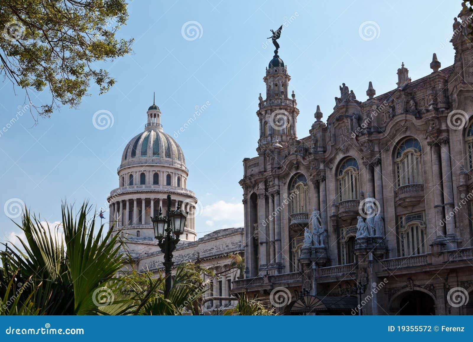 Grande teatro e EL Capitolio