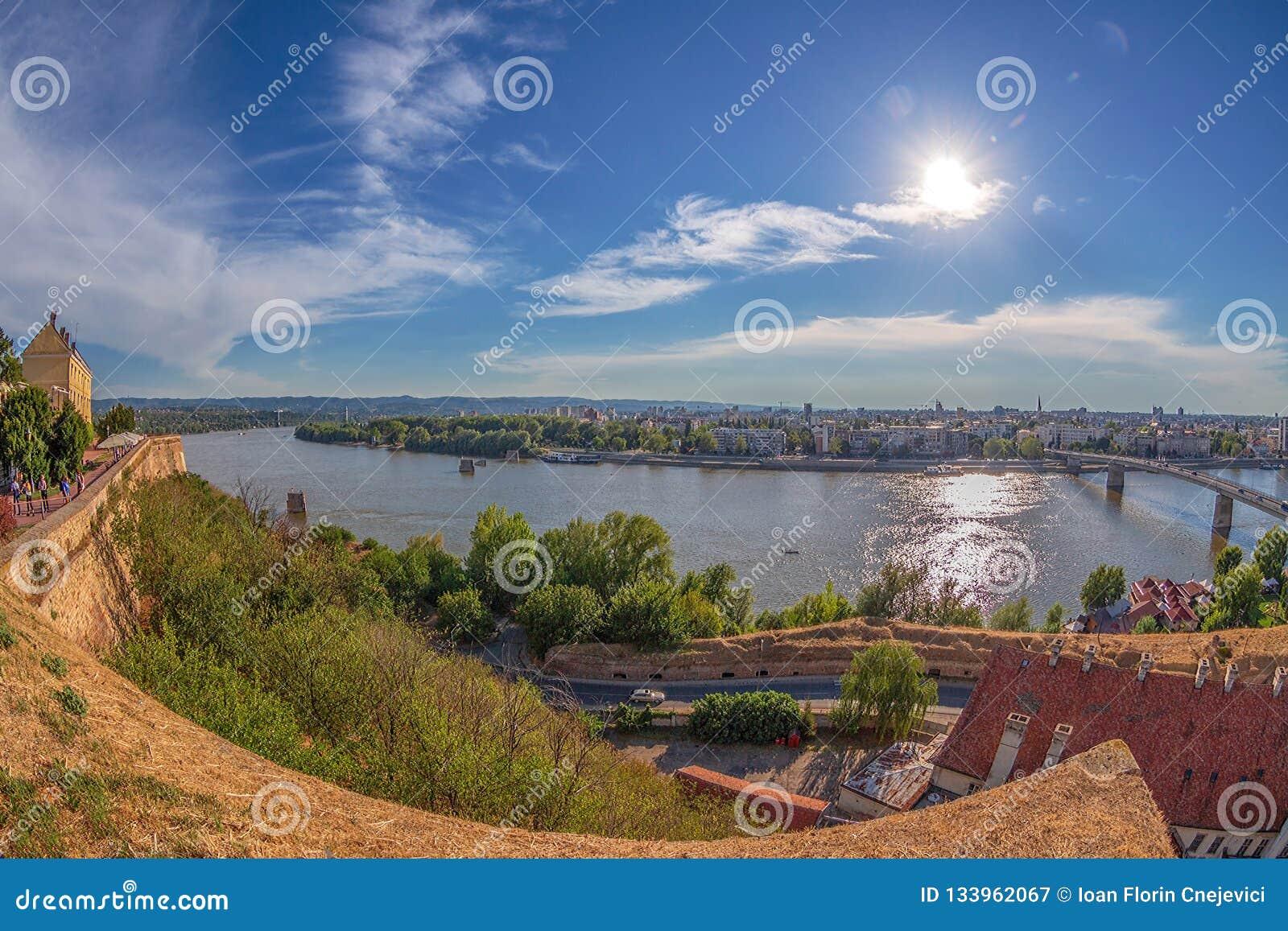 Grande vue d angle de Novi Sad, Serbie