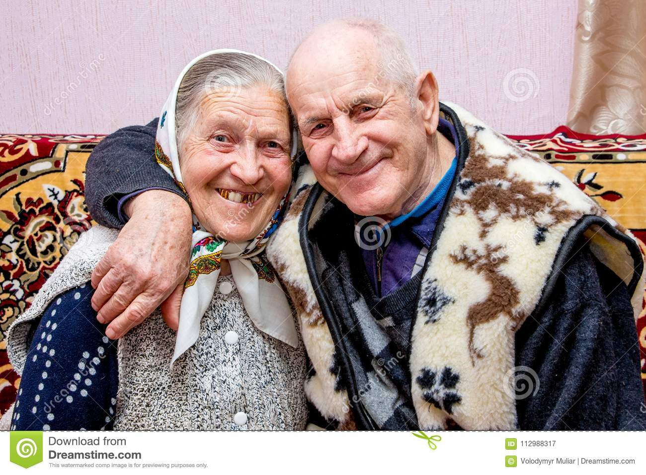 grandfather and grandmother embraced, they kept love in old age_