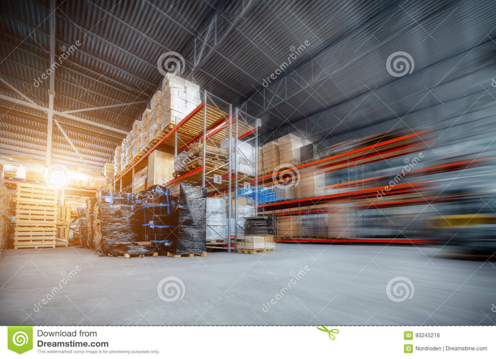 Grandi società di industriale e di logistica del magazzino del capannone