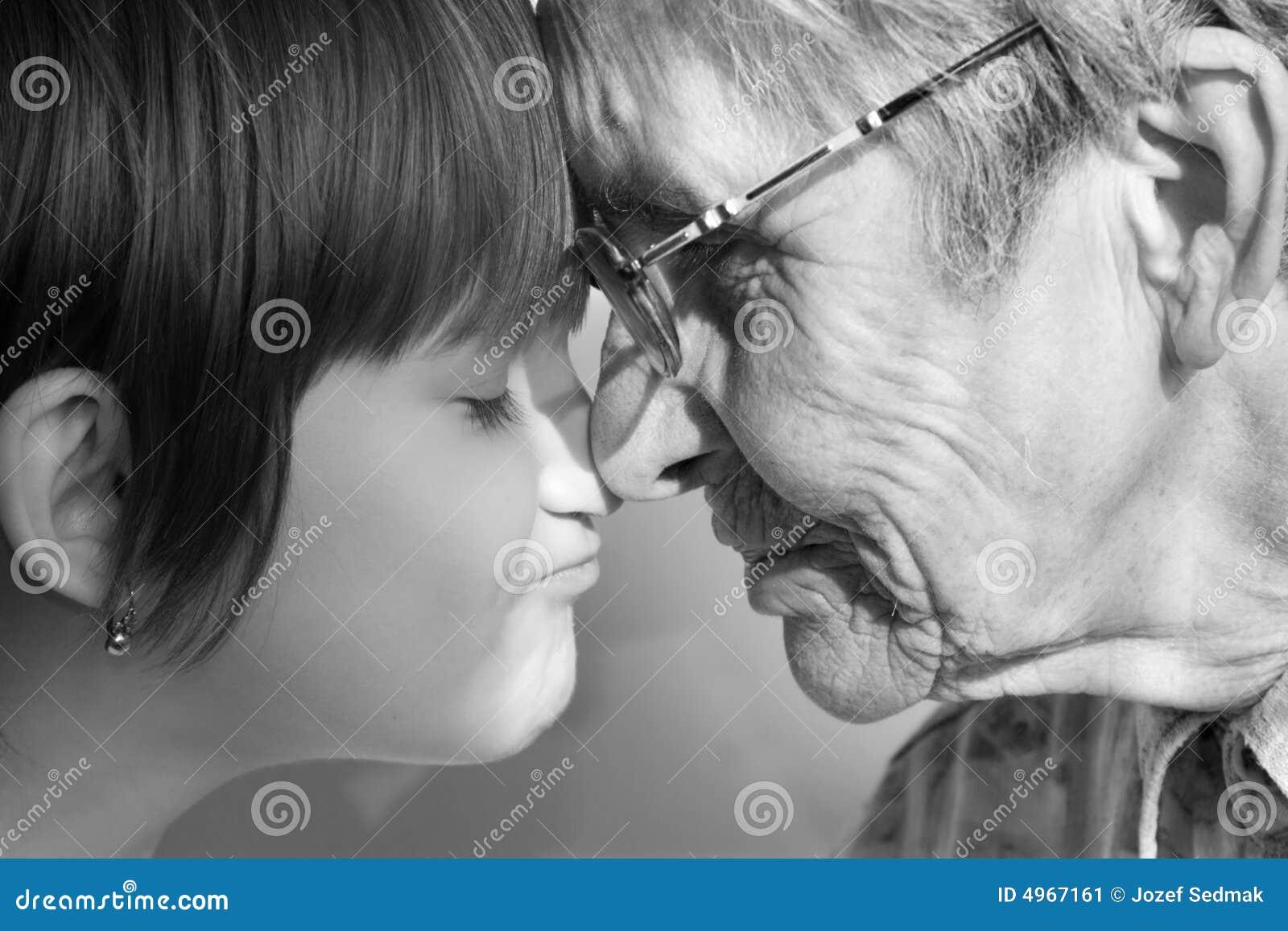 Смотреть бесплатно бабушка и внук 17 фотография