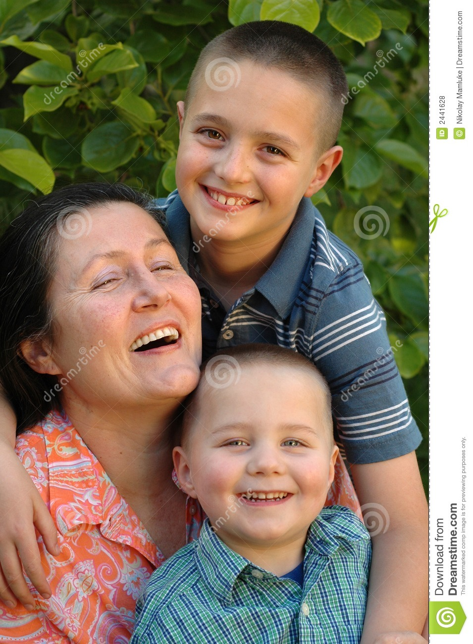 grandmother dating her grandson Here is the heartwarming story of 72-year-old pearl carter, her lover and grandson phil bailey, and the $54,000 surrogate mother they have impregnated sorry, did i.