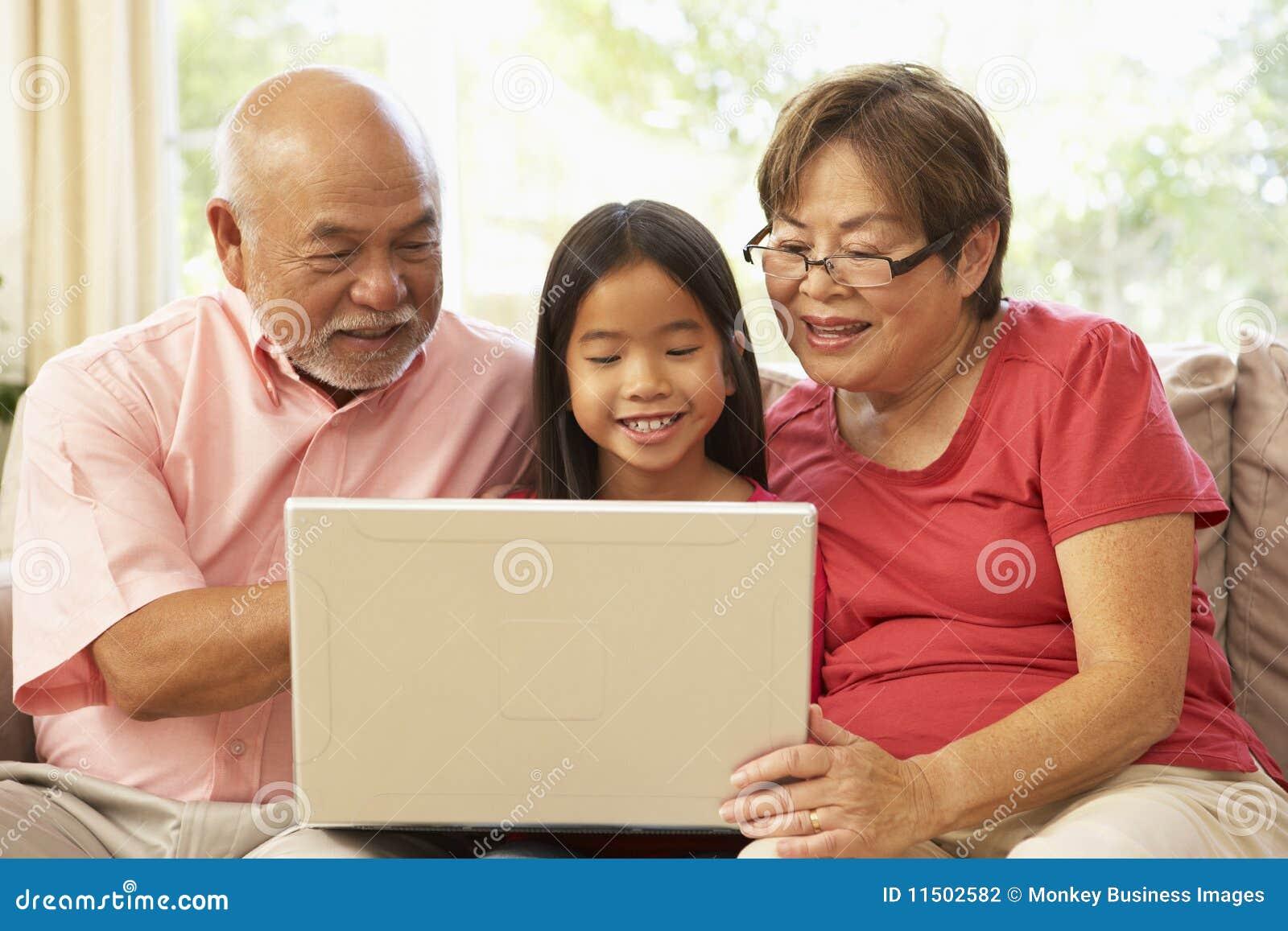 Смотреть бесплатно бабушка и внук 12 фотография