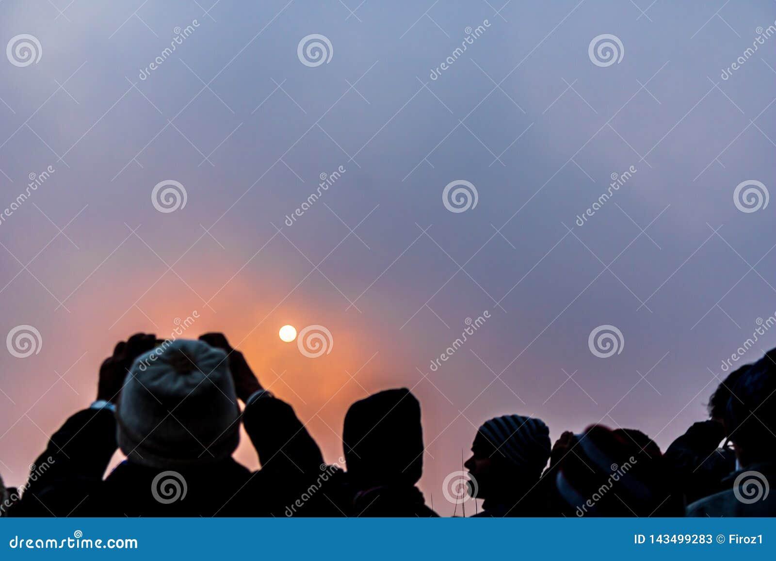 Grands moments d un lever de soleil à la colline de tigre darjeeling
