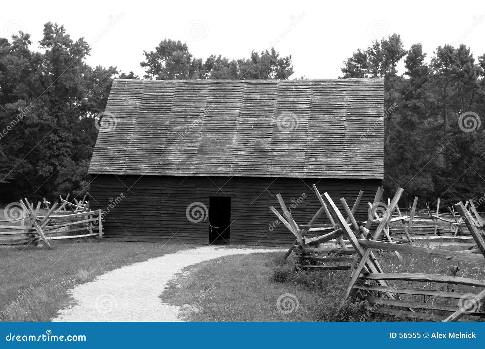 Download Grange de pays image stock. Image du maison, home, histoire - 56555