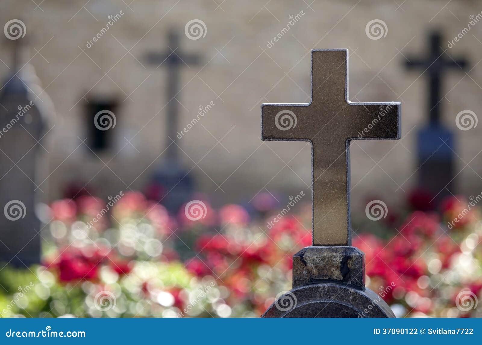 Download Granitów Krzyże Na Grobowach Bohaterzy. Zdjęcie Stock - Obraz złożonej z cloister, nostalgia: 37090122