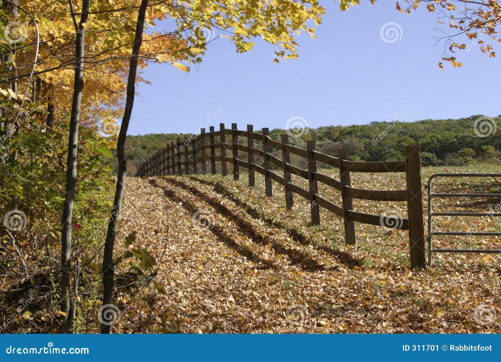Granja cercada imagen de archivo imagen 311701 - Cercado de madera ...