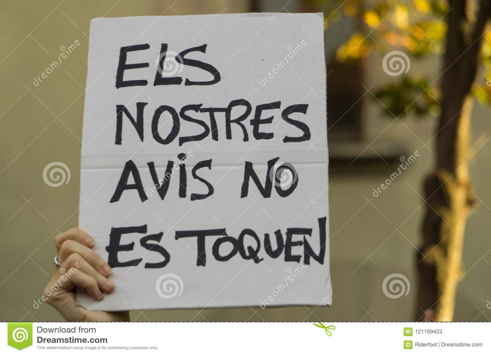 Granollers, Catalonia, Espanha, o 3 de outubro de 2017: povos paceful no protesto