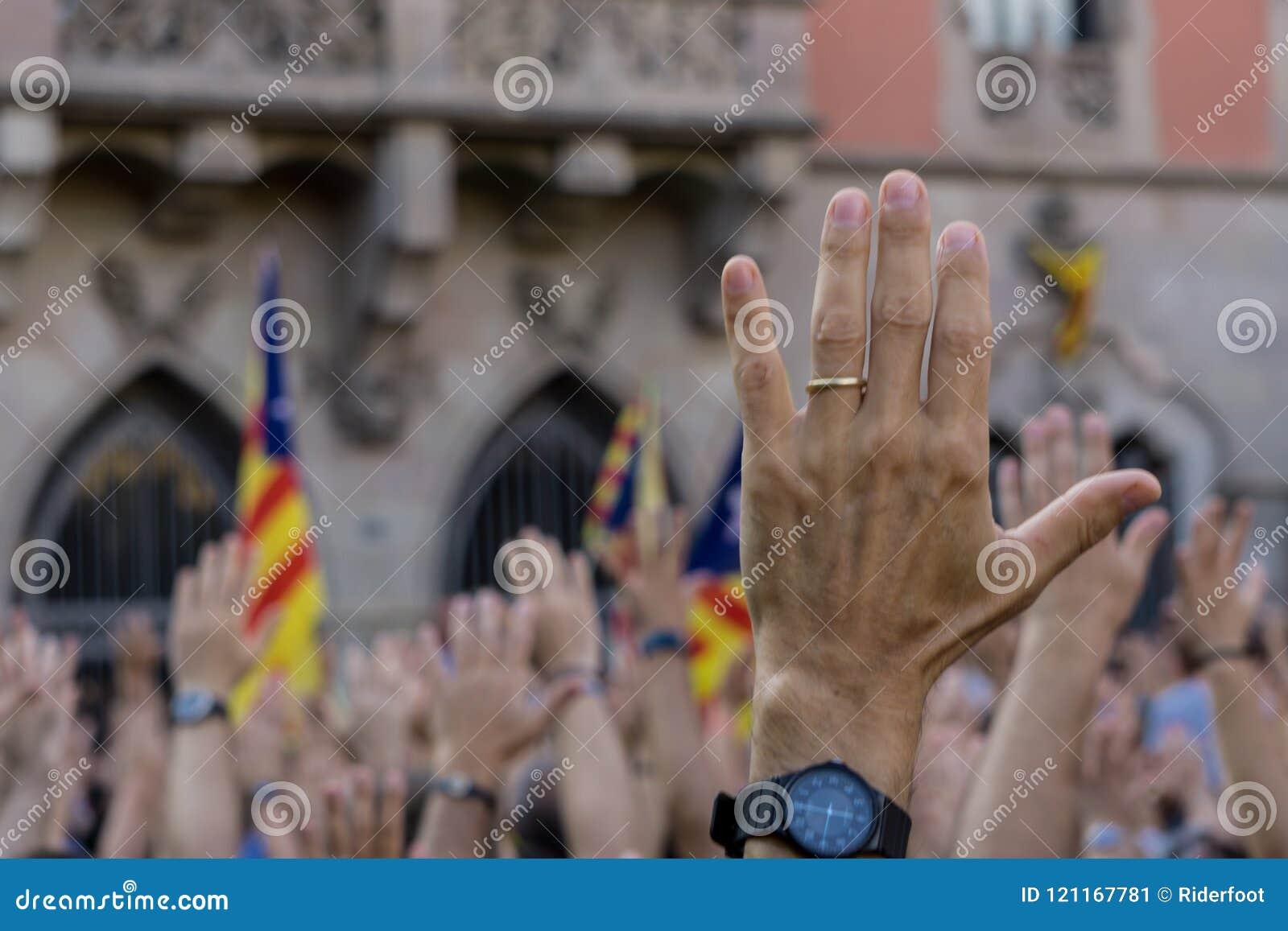 Granollers, Catalonia, Hiszpania, Październik 3, 2017: chłopiec portret podczas protesta przeciw hiszpańskiemu