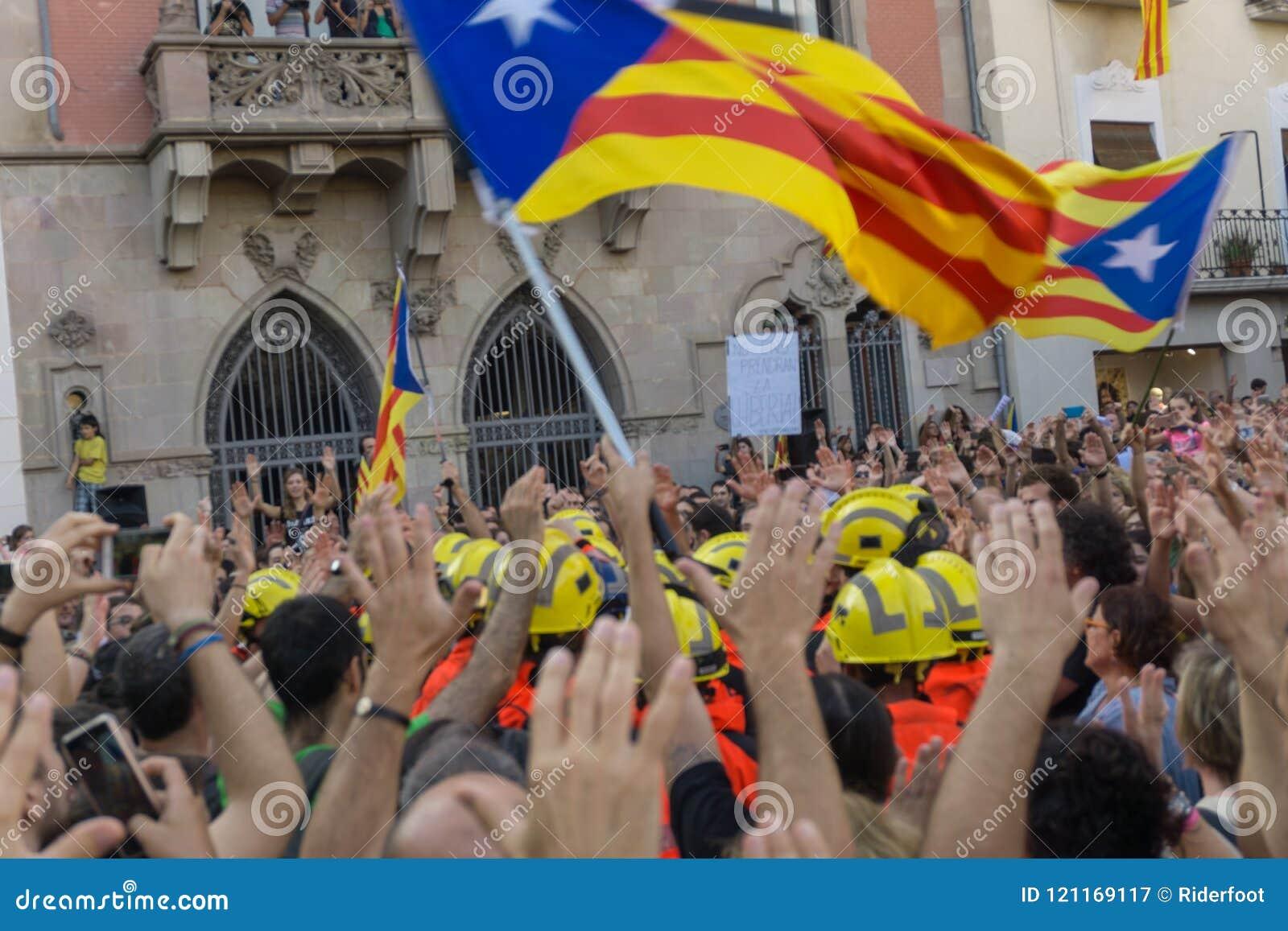 Granollers, Catalonia, Hiszpania, Październik 3, 2017: paceful ludzie w protescie