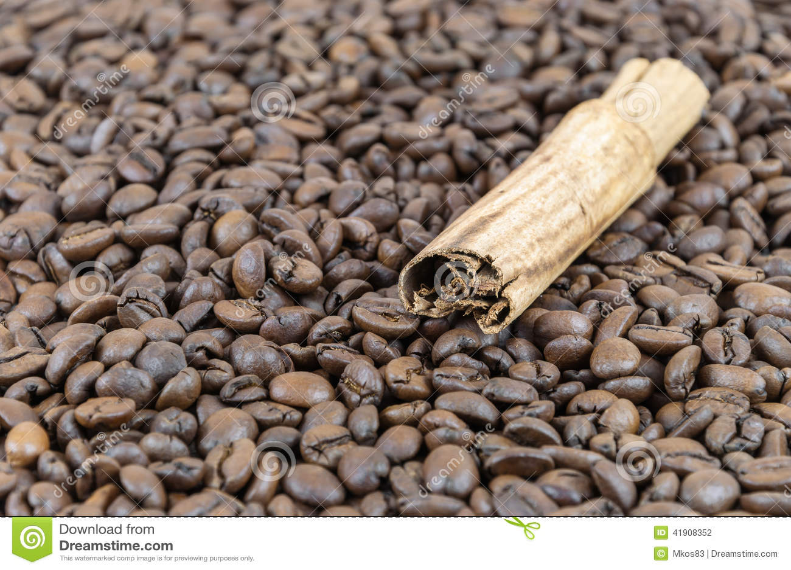 Granos de caf? y palillo de cinamomo