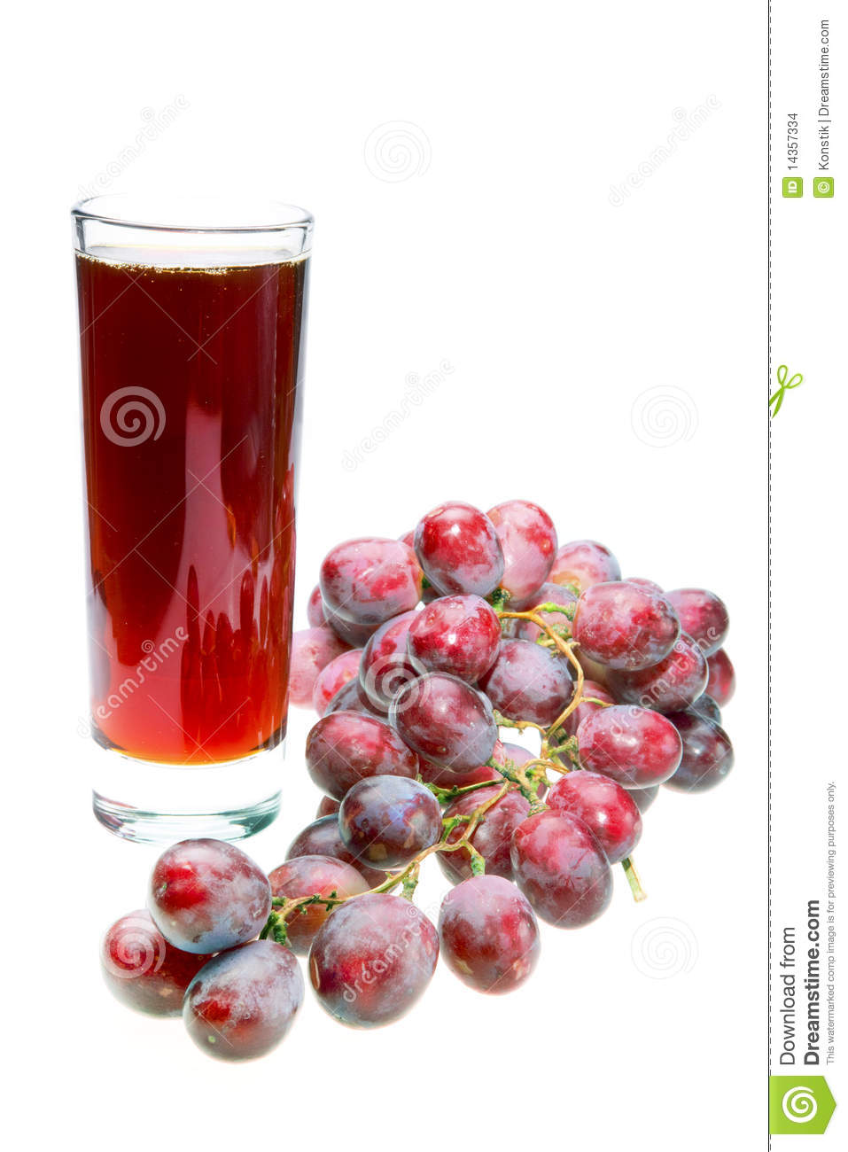 Grape Cluster And Juice In Glass Stock Images - Image ...