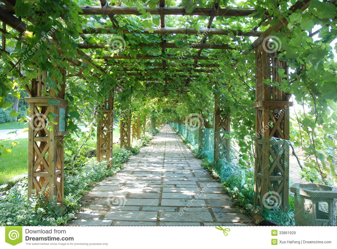 Pergole E Gazebo additionally Pergolas besides 10 Diy Garden Ideas For Using Old Pallets in addition Diy Arbor Building Plan as well The Great Ideas Of The Reclaimed Wood Furniture. on garden trellis design plans