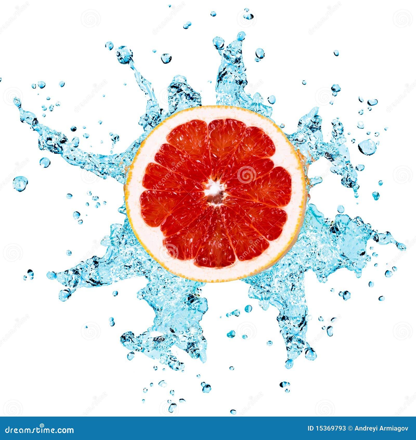 Grapefruit en water