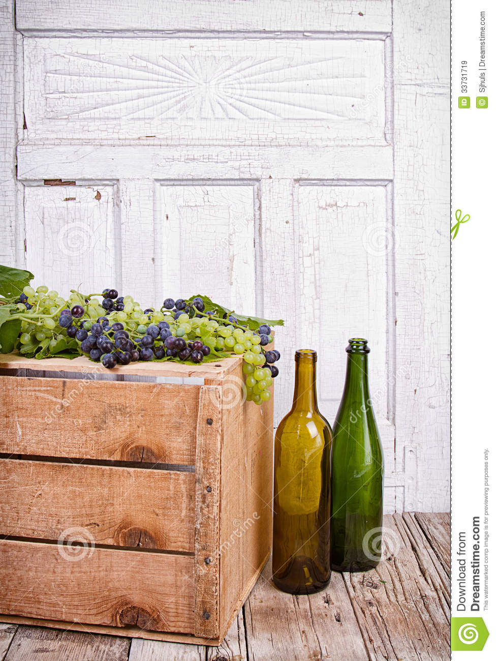 Grapes on wooden crate royalty free stock images image for Empty wine crates