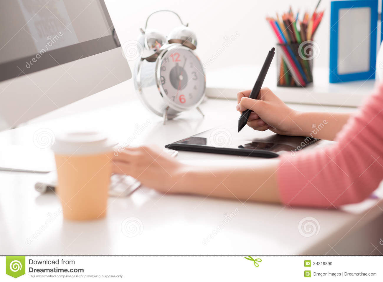 Best Graphic Designer Work From Home Pictures - Decorating Design ...