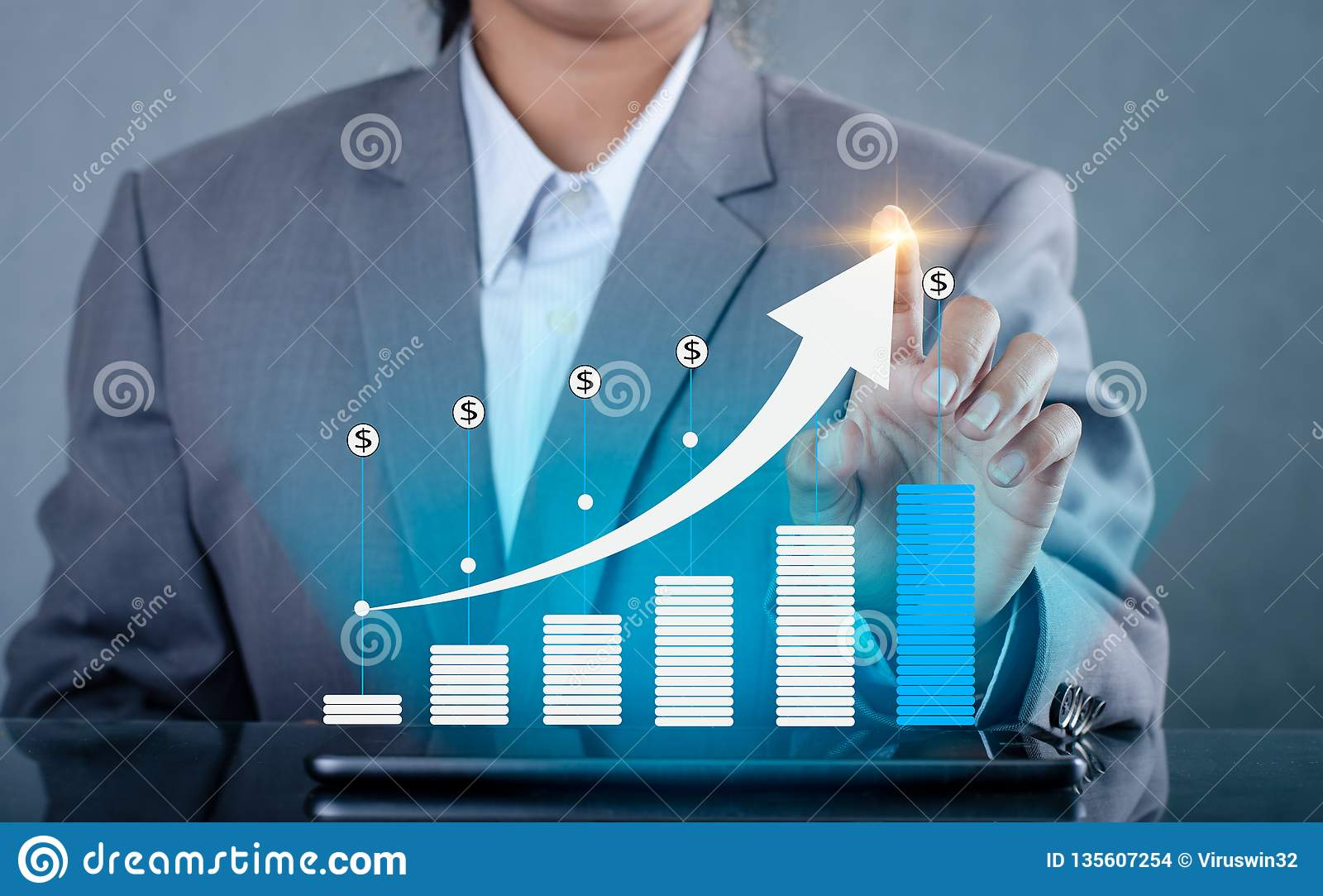 Graphique des téléphones de télécommunications mondiales de croissance et de la presse intelligents binaires financiers d Interne