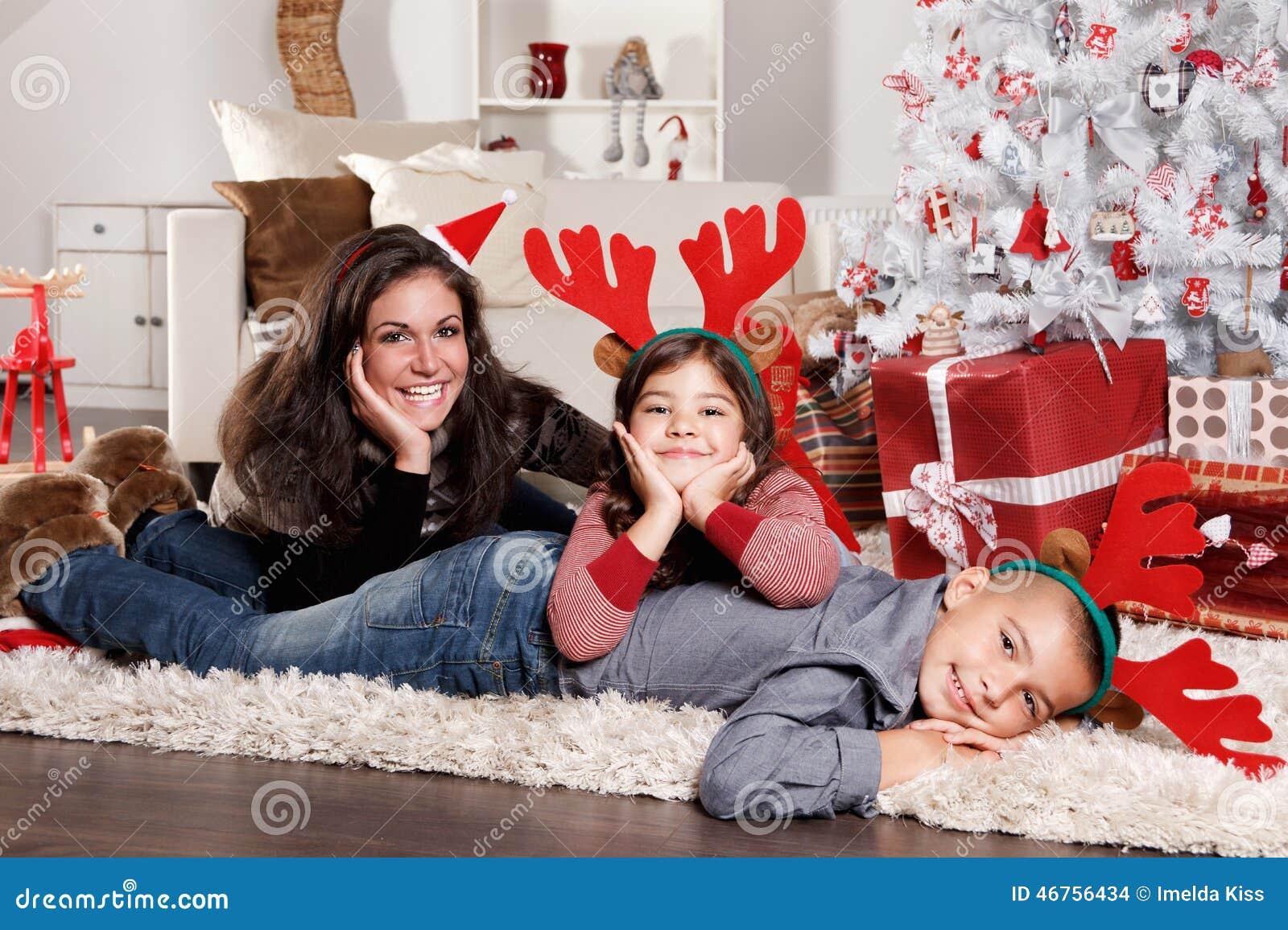 Grappig familieportret bij Kerstmis
