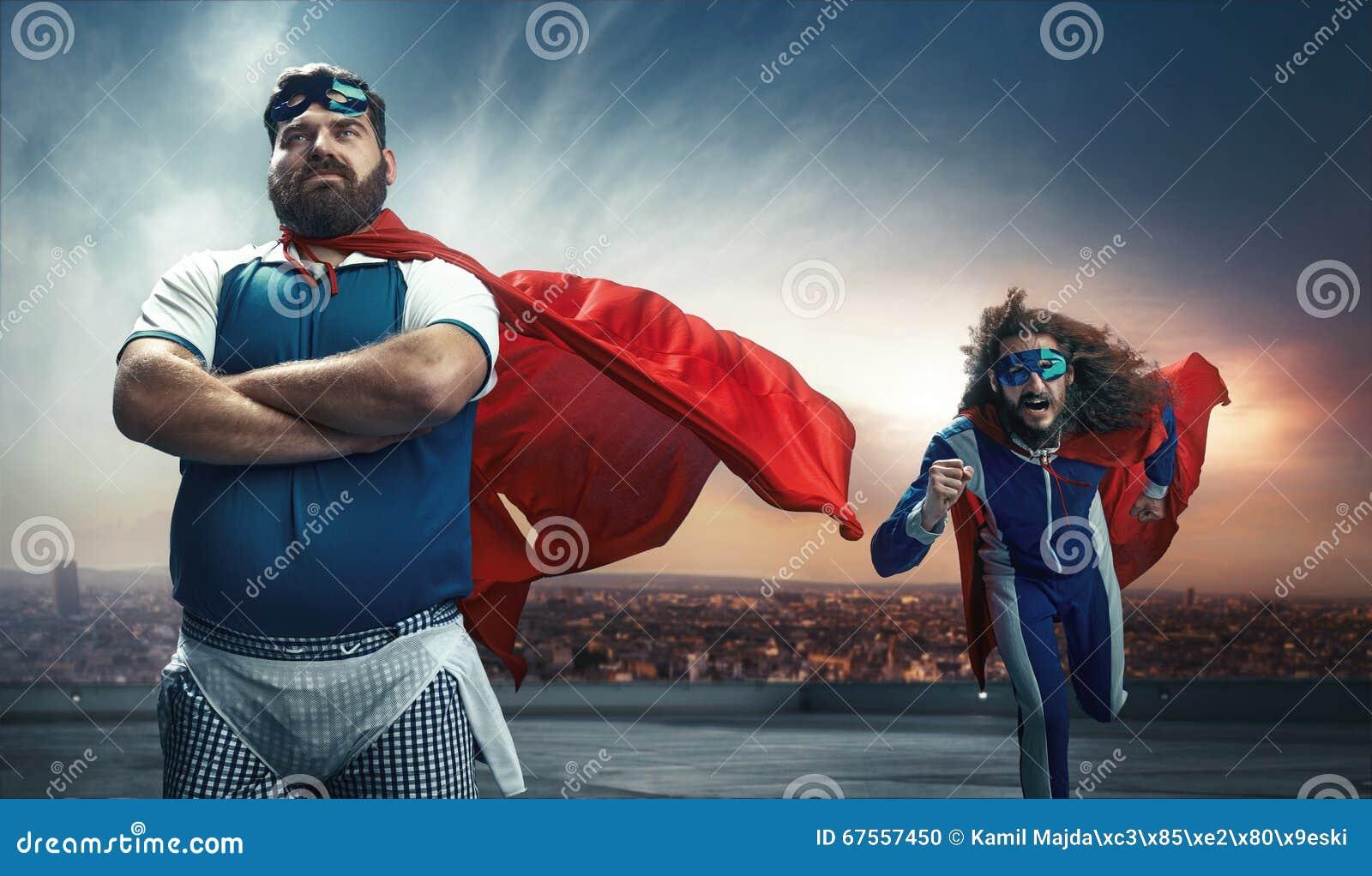 Grappig portret van twee super helden