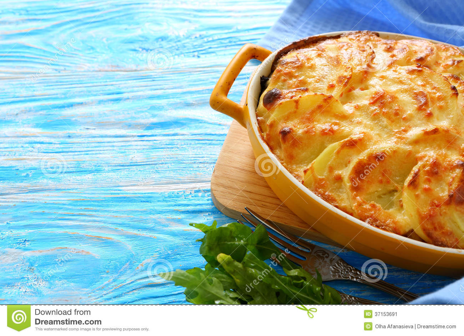 Gratin картошки с сыром