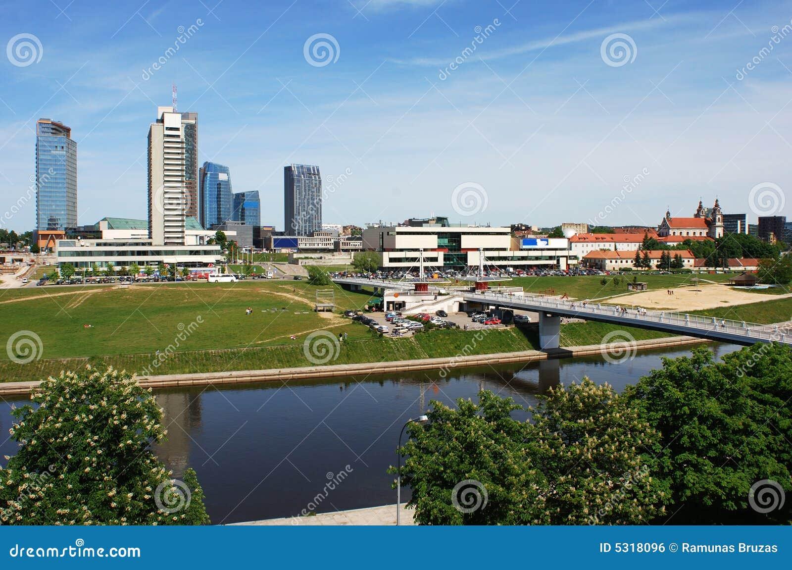 Download Grattacieli di Vlinius fotografia stock. Immagine di città - 5318096