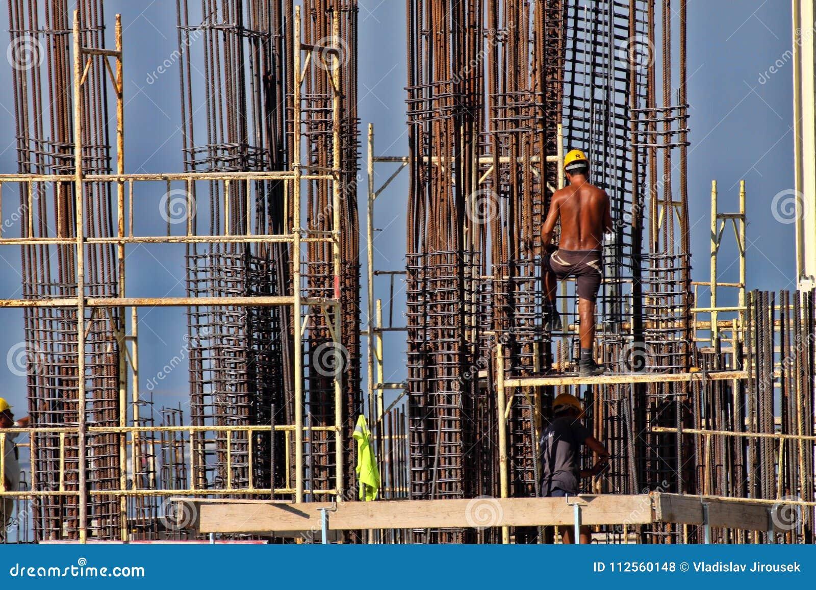 Gratte Ciel De Structure Metallique De Limassol Chypre