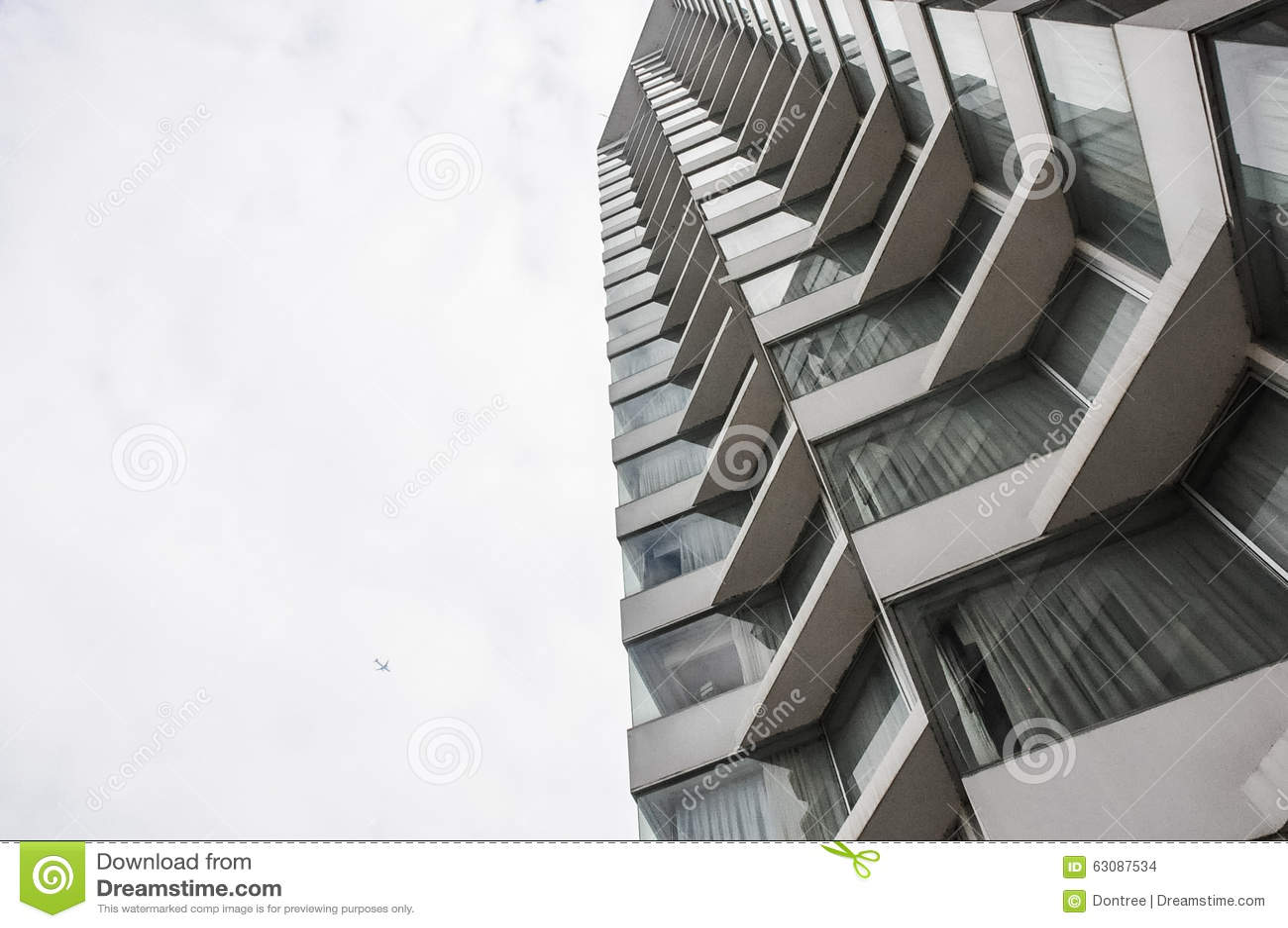 Download Gratte-ciel modernes photo stock. Image du gratte, downtown - 63087534