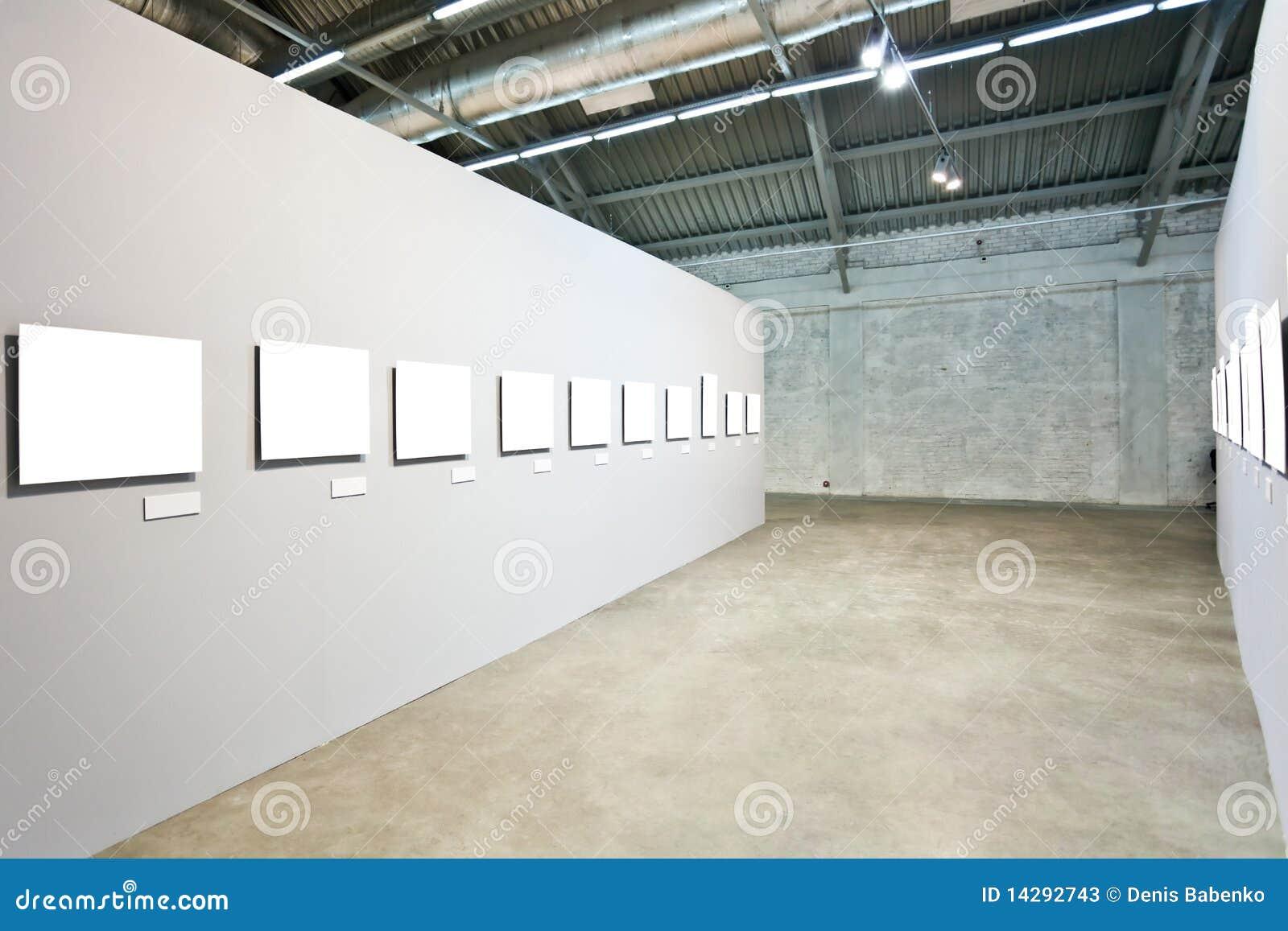 Graue Wände Mit Vielen Feldern Stockfotos - Bild: 14292743
