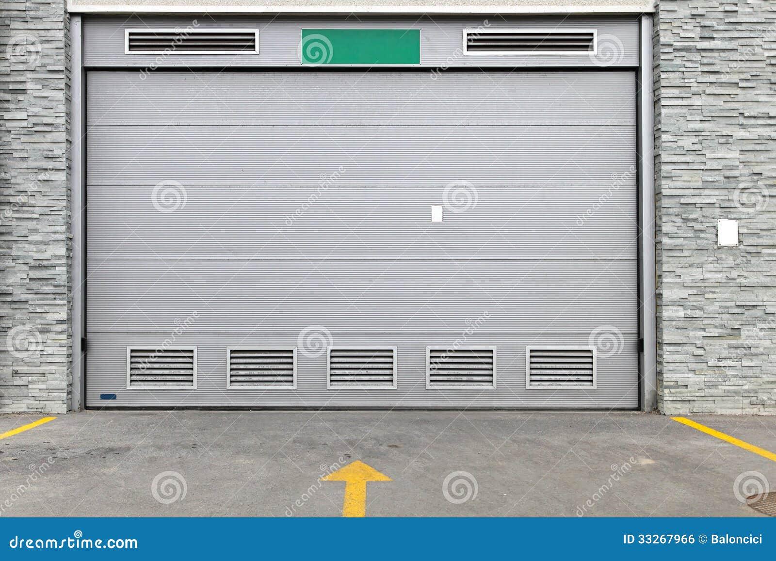 grauer garagentor stockfoto. bild von grau, haus, elektrisch - 33267966