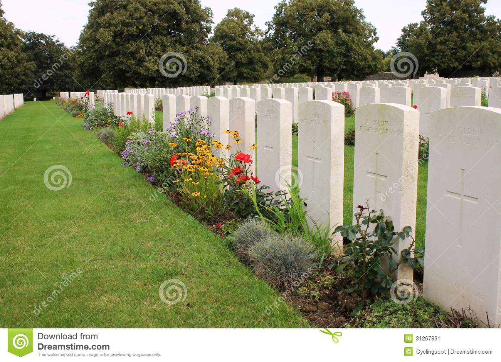 Graven van niet geïdentificeerde militairen in Loos Britse Begraafplaats