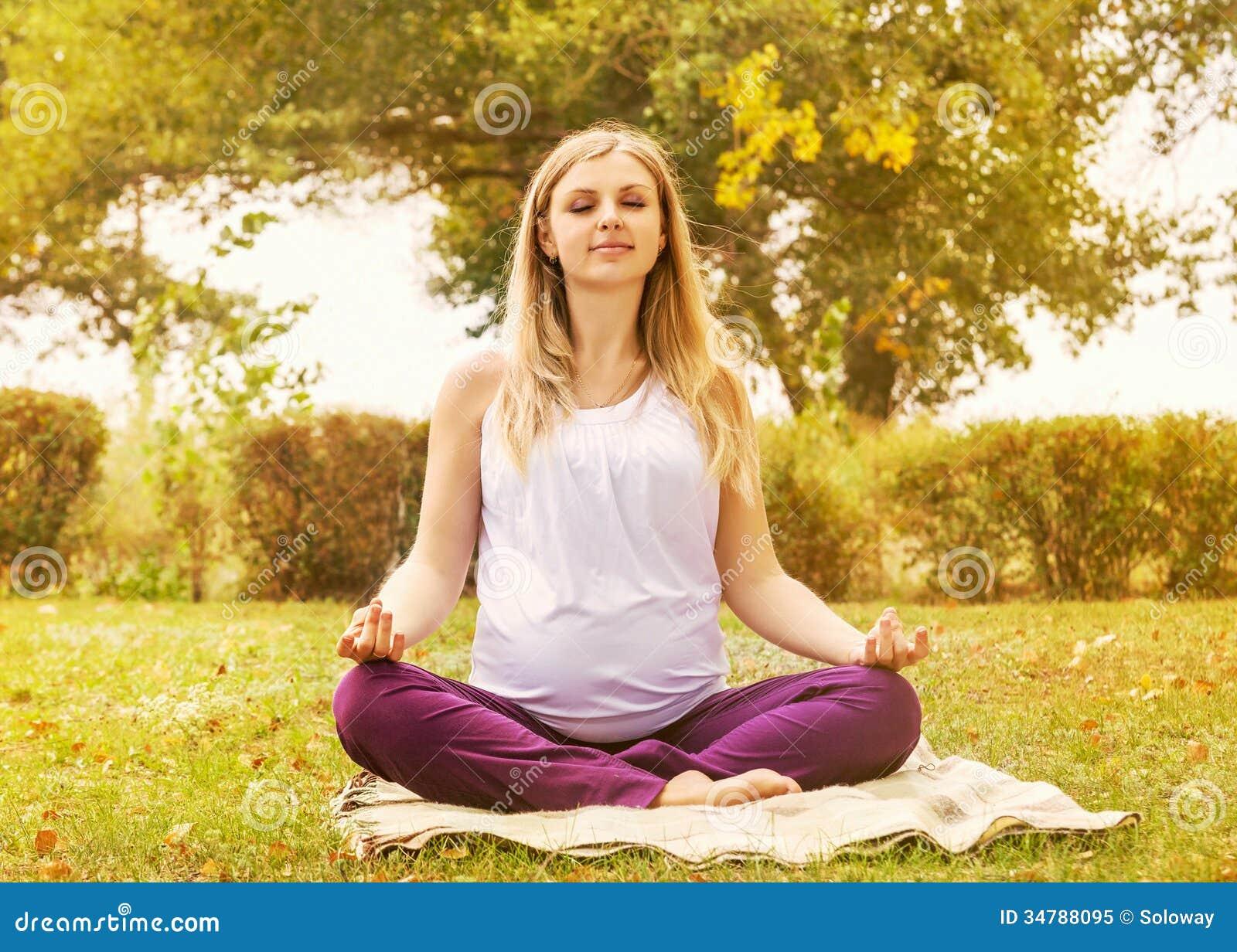 Gravid kvinnautbildning kopplar av andning