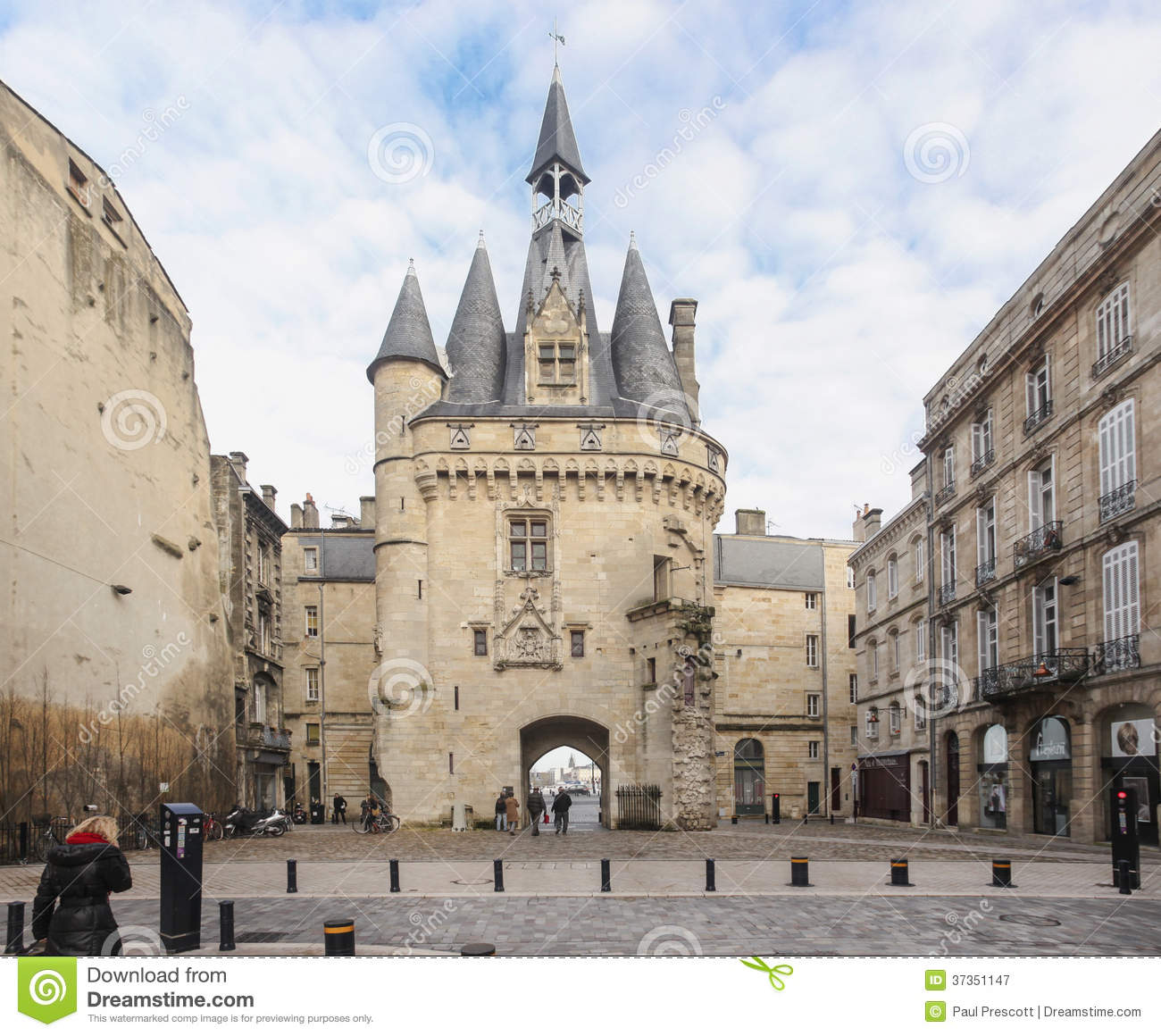 Great bell of bordeaux editorial photography image of for Appartement bordeaux grosse cloche