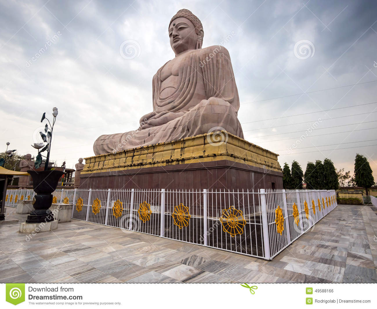 the great buddha statue in bodhgaya india stock photo image 49588166. Black Bedroom Furniture Sets. Home Design Ideas