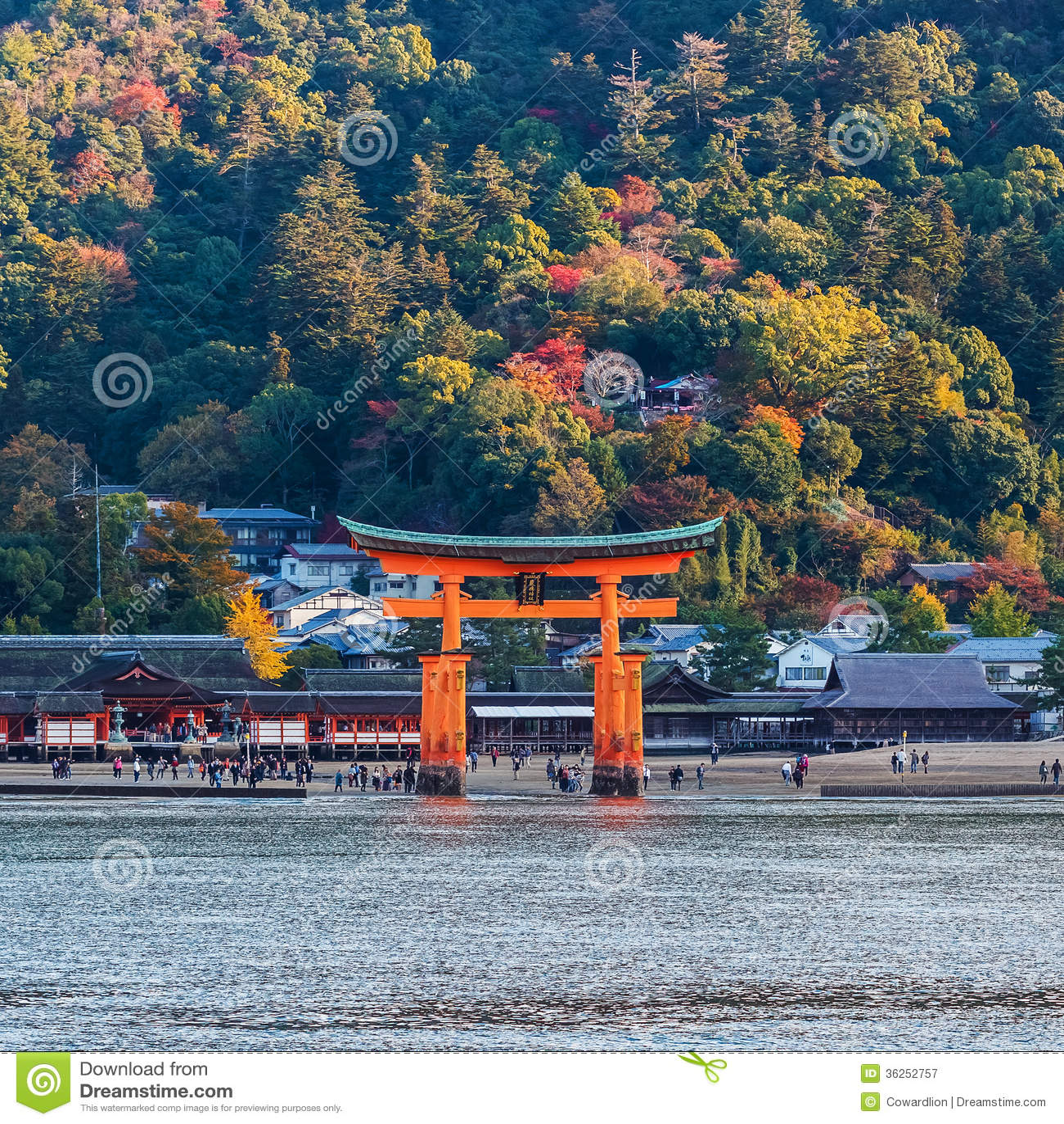 Great Floating Gate (O-Torii) On Miyajima Island Editorial ...