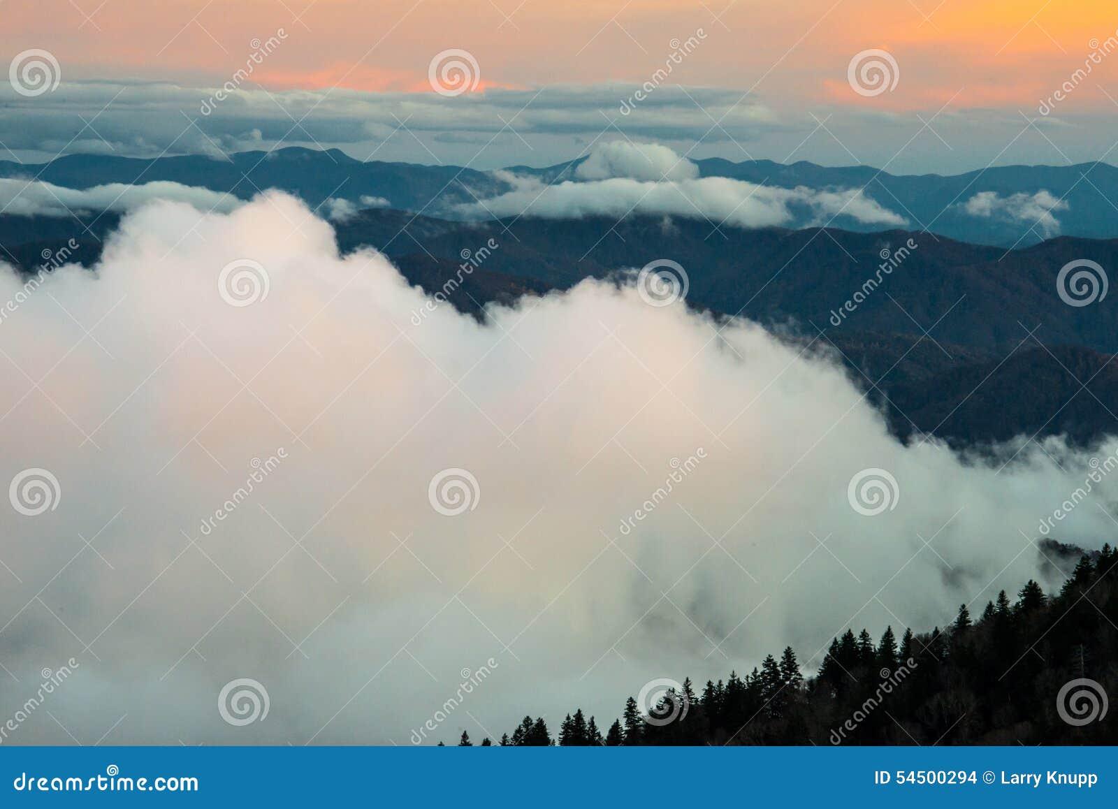 Great Smoky Mountains au coucher du soleil