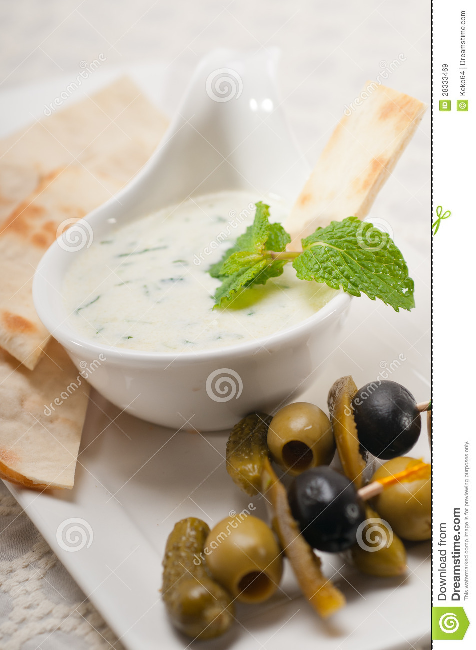 how to make tzatziki dip with sour cream