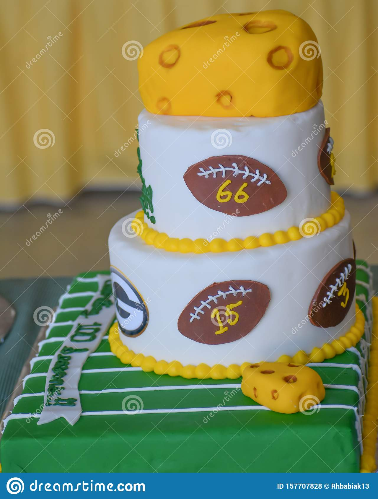 Green Bay Packers Football Cake With Cheese Editorial Stock Photo Image Of Packers Confectioners 157707828