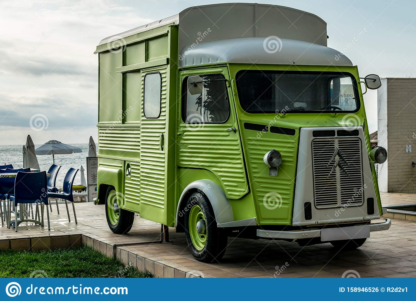 926 Retro Food Truck Photos Free Royalty Free Stock Photos From Dreamstime
