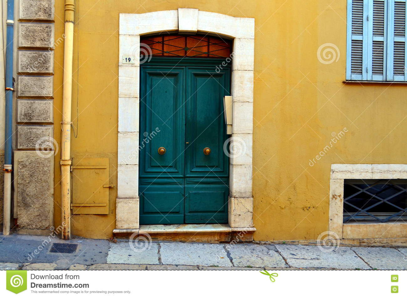 simple yellow house green door color to paint an in inspiration