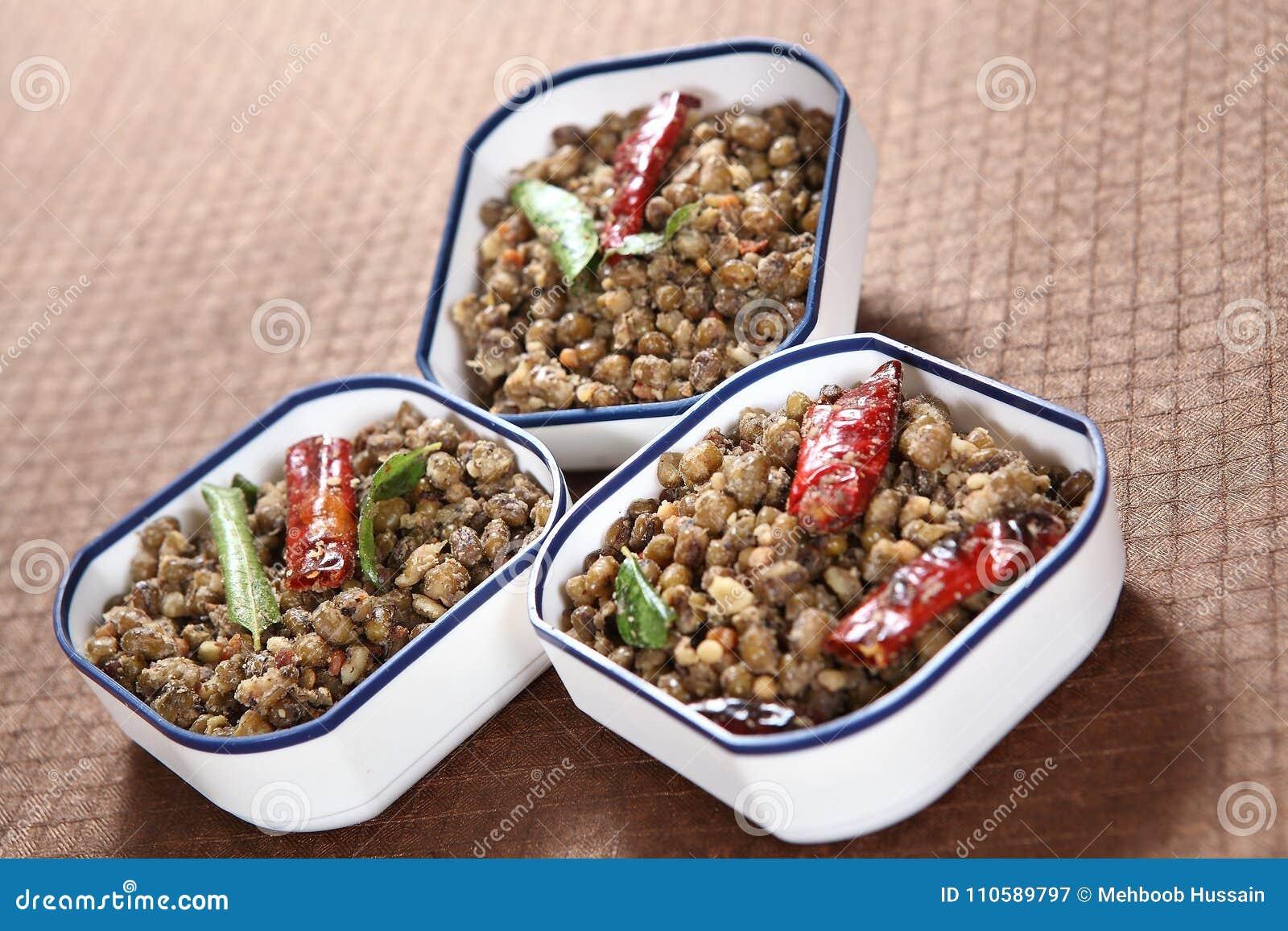 Green Gram Masala Chickpeas, Pachai Payaru Kara Sundal Stock