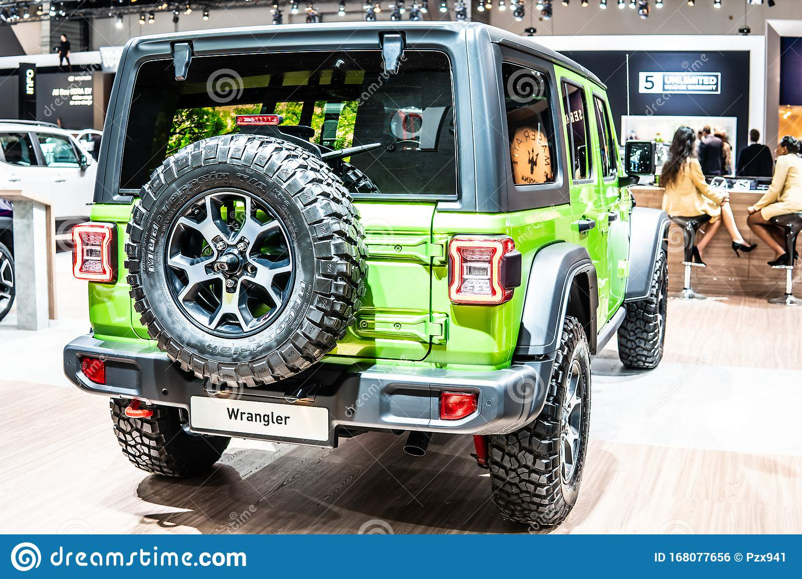 5 895 Green Jeep Photos Free Royalty Free Stock Photos From Dreamstime