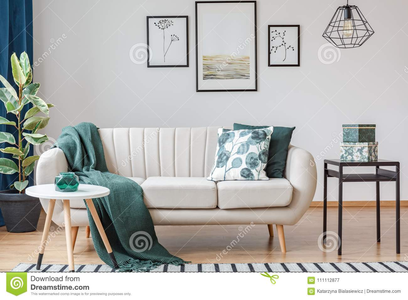 Green living room with gallery