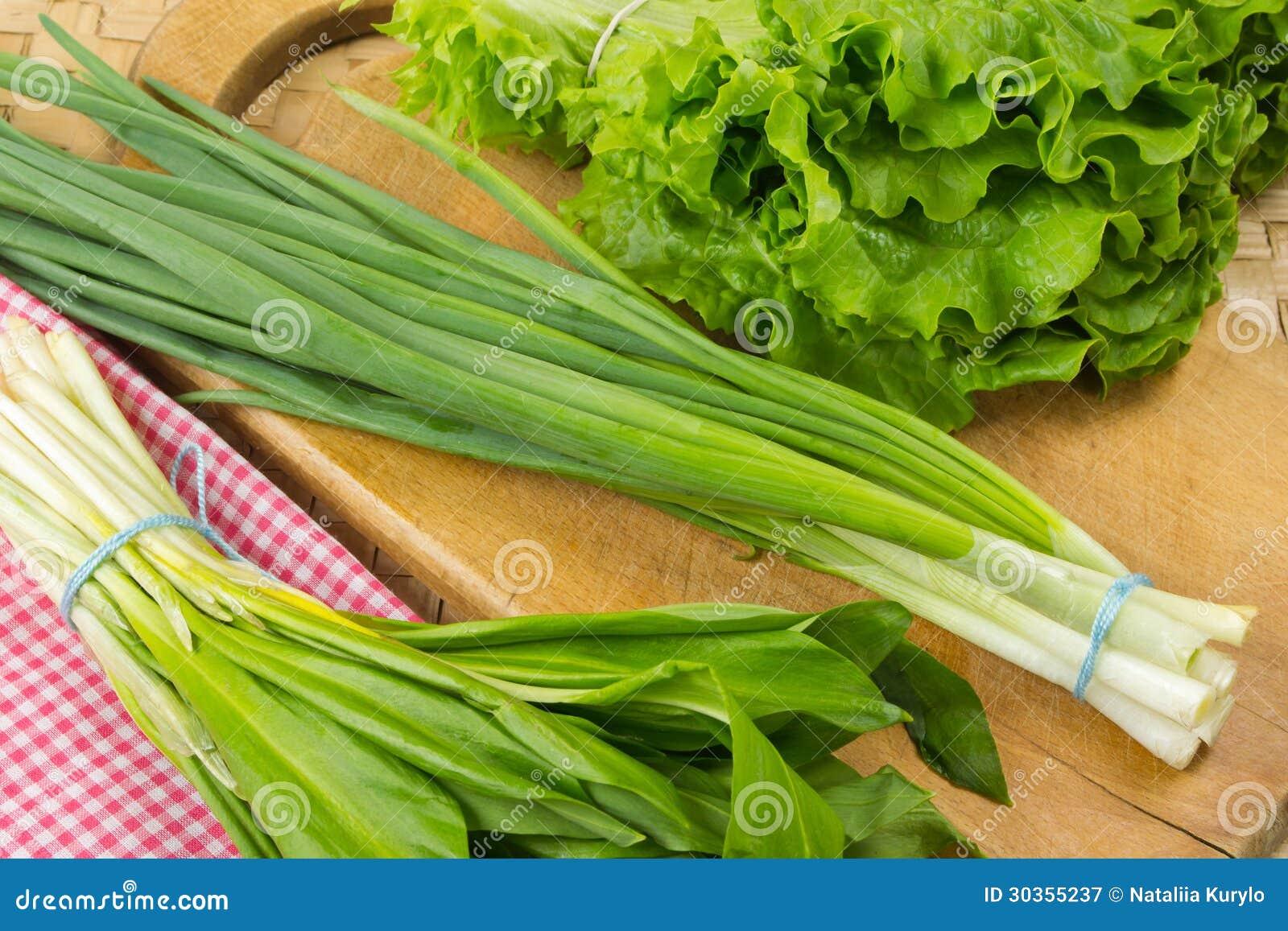 Green onion, wild leek, lettuce