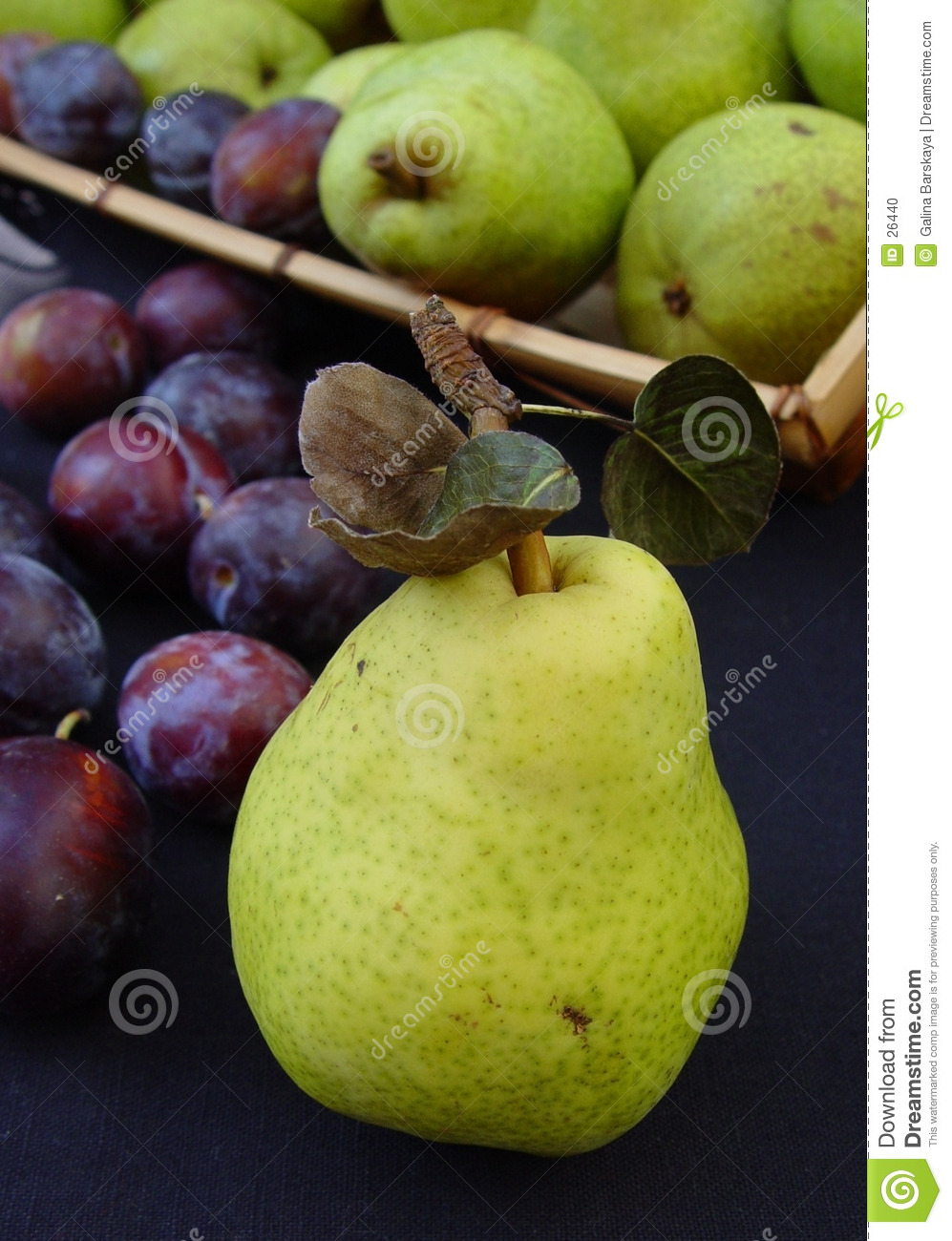 Green pears and italian plums
