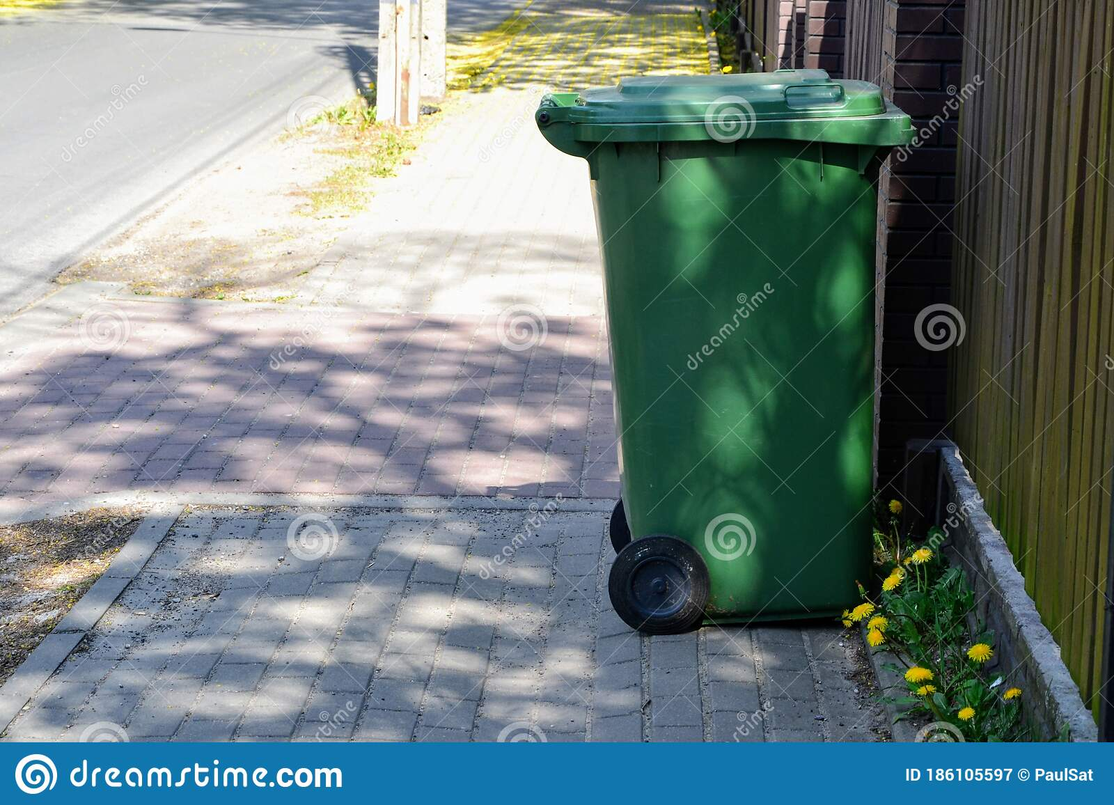 Green Plastic Garbage Can Or Trash Disposal Bin On Wheels Stock Image Image Of Concept Dustbin 186105597